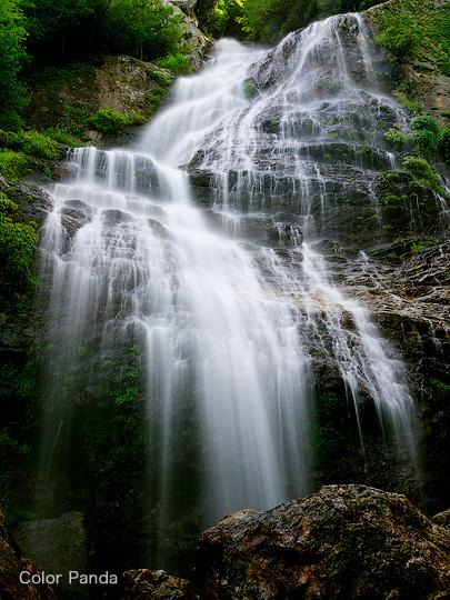 池原の巨瀑
