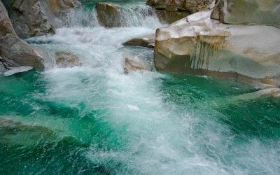 最後の泳ぎはツメカリ谷