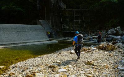 池郷川で泳ごう